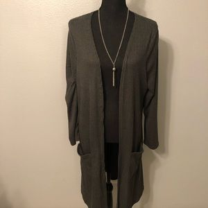Grey cardigan **FREE NECKLACE INCLUDED**